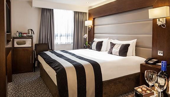 Park Grand London Hotel Room